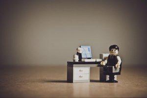 Kakovostni pisarniški in konferenčni stoli olajšajo dolgotrajno sedenje
