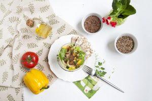 Najbolje se konopljino olje izkaže v solatah in hladnih jedeh